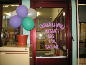 Marking the day with a Balloon tree and signage
